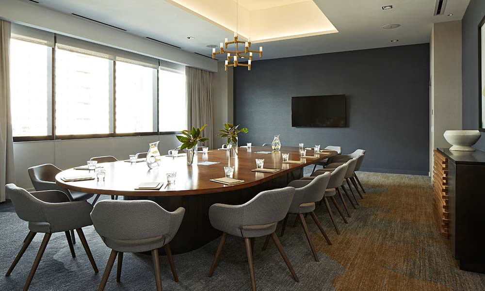 oak-room-boardroom-natural-light-meeting-space-sawyer-sacramento